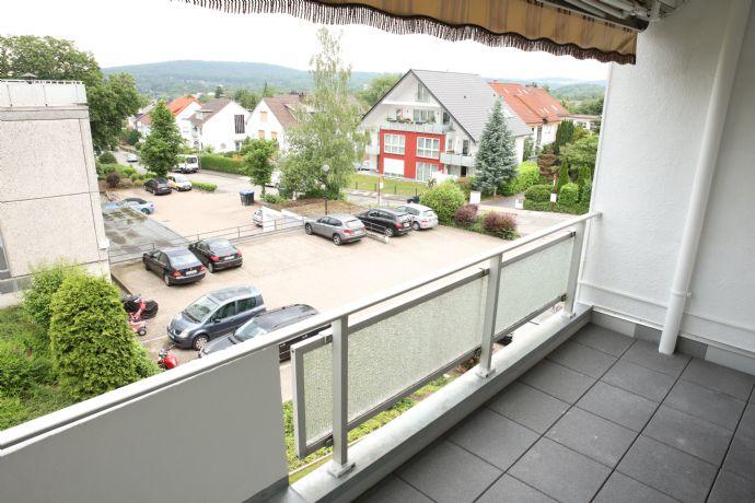 Hell frisch renovierte 2-Zimmer Wohnung, mit Südwest Balkon und in Waldnähe