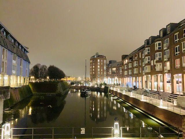 Altstadtliebhaber von Luxuswohnung gesucht! 4 Zimmer, moderne EBK, 30 m² Loggia mit Blick auf den Alten Hafen