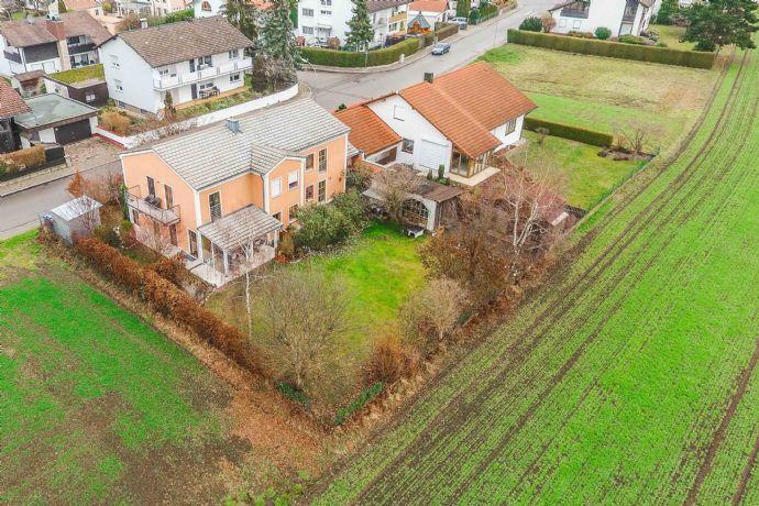 Architektenhaus mit unverbautem Blick ins Grüne