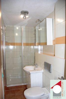 Gästebad mit Dusche Hinterhaus
