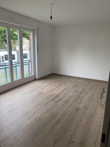 Schöne 2-Zi Wohnung 1 OG