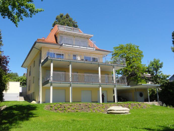 Ruhige 4,5-Zimmer-Wohnung mit Teilsee- und herrlicher Bergsicht in bevorzugter Halbhöhenlage
