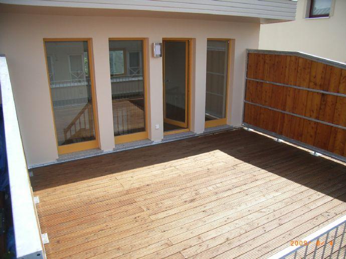 Stadthaus mit 5 Zimmern, Garage, eigenem Garten, Süd-West Dachterasse, Gästebad mit Dusche