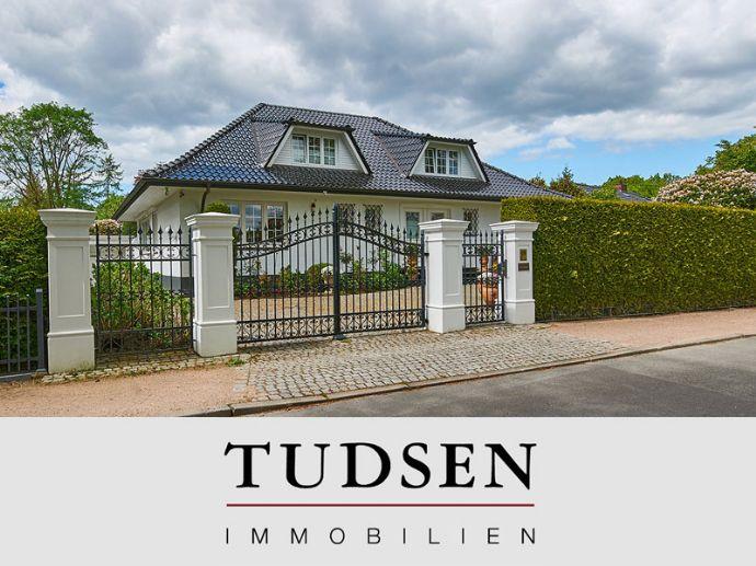 Meiendorf - Grenze Volksdorf. Sehr gepflegte Villa mit intimem, sonnigem Garten in ruhiger Wohnlage