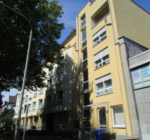 Seniorengerecht auf der Uerdinger Str. 140! 2-Zimmerwohnung, Aufzug, Einbauküche und kleine Loggia !