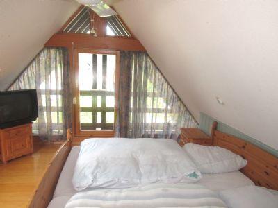 aussergew hnliches zweifamilienhaus mit grossen. Black Bedroom Furniture Sets. Home Design Ideas
