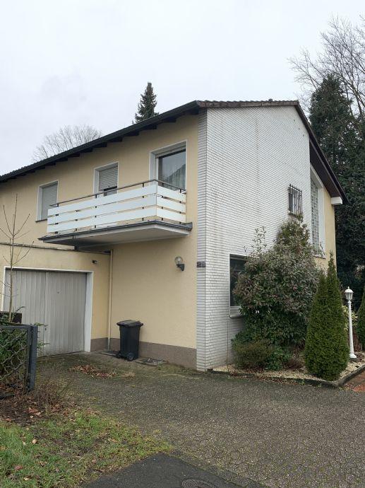 Großzügiges Wohnhaus mit Schwimmbad- und Wellness-Anbau sowie Wintergarten!