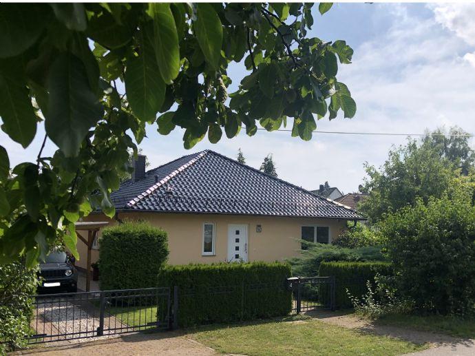 attraktives Architektenhaus mit viel Komfort und Ausstattung in Hoppegarten-Hönow, direkt an der Stadtgrenze zu Berlin