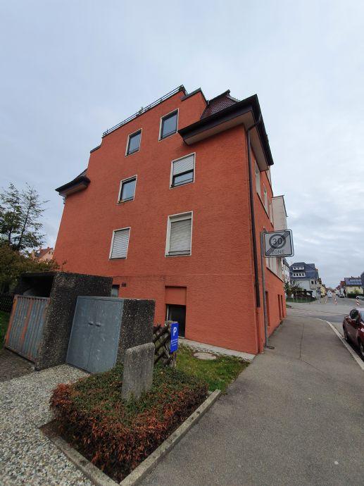 3,5 Zimmer-Wohnung im 2. OG links mit Balkon ab sofort zu vermieten