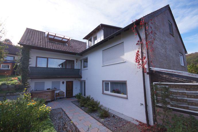 Gepflegtes und modernisiertes Dreifamilienhaus in idyllischer Lage zu verkaufen!