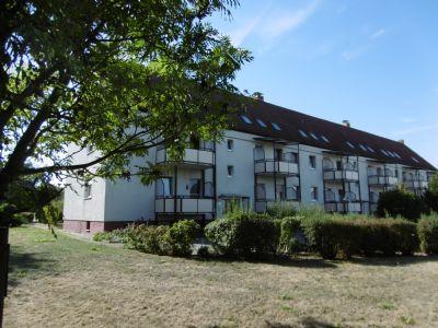 Ruhig gelegene 3-Raum-Wohnung mit Garage in grüner Umgebung