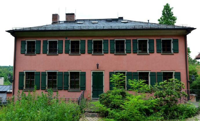 Exklusive zweistöckige Villa mit herrlichem Elbblick am Blauen Wunder