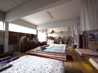 Verkaufs - Lager - Halle - Erdgeschoß