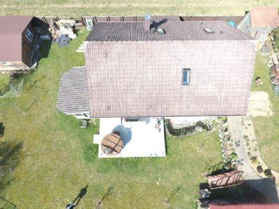 Freistehendes 1-2 Familienhaus auf großem Grundstück in ruhiger, gepflegter Wohnlage von Spraitbach zu verkaufen!