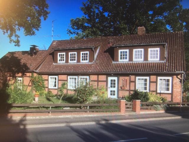 Haus mit drei Wohnungen von PRIVAT zu verkaufen Niedersachsen, Landkreis Lüchow-Dannenberg