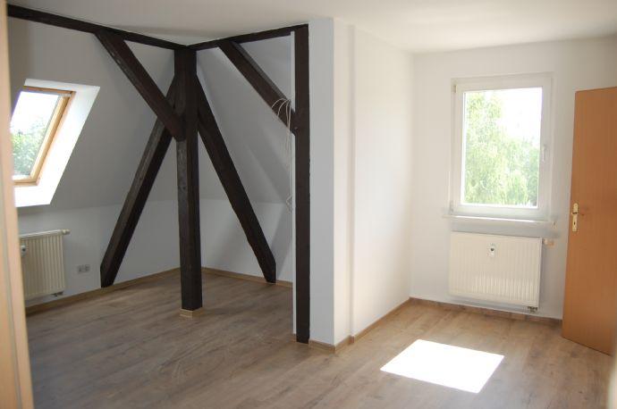 Frisch renovierte 3-Raum Maisonette Wohnung in ruhiger Wohnlage
