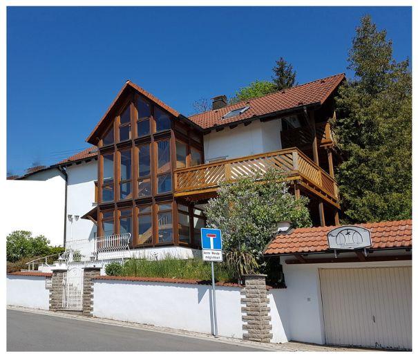 Schöner Wohnen mit herrlichem Ausblick! (Einfamilienhaus mit Einlieger-Wohnung in ruhiger Lage) ID: EFH97947a