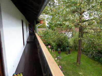 Balkon über die gesamte Hausbreite Süden