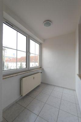 geringe nebenkosten 3 raum wohnung bad modernisiert etagenwohnung leuna 2d4zt4u. Black Bedroom Furniture Sets. Home Design Ideas