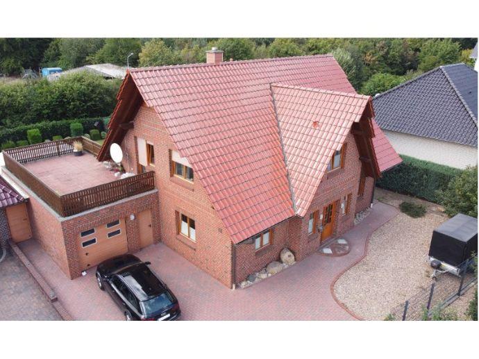 Gemütliches Einfamilienhaus mit Wintergarten in ruhiger Wohnlage