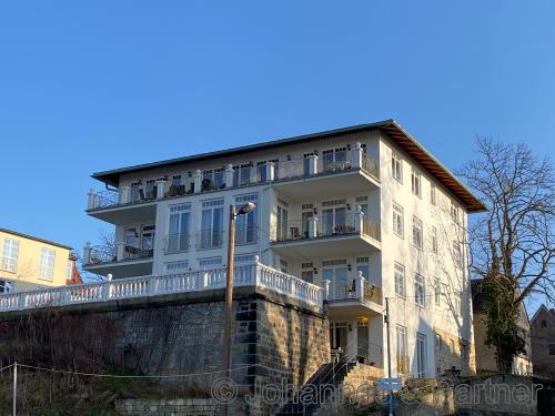 3 Zimmer-Wohnung mit Balkon zur Elbe