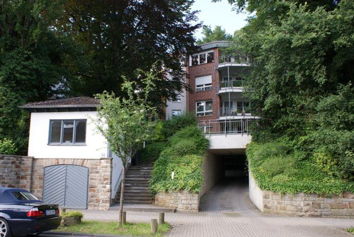 AC-Nizzaallee: helle, geräumige Wohnung im Grünen