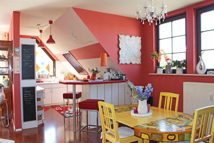 Großzügige, charmante 4 Zimmer  Dachgeschoss-Wohnung in Arnstadt zu vermieten / reserviert