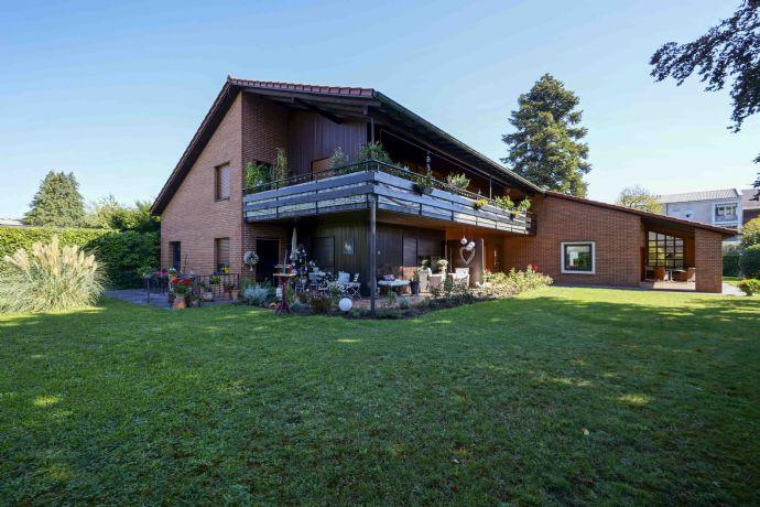 Imposantes Zweifamilien Architekten-haus mit ELW in Rheinfelden (Baden)