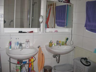 Bad mit zwei Waschbecken