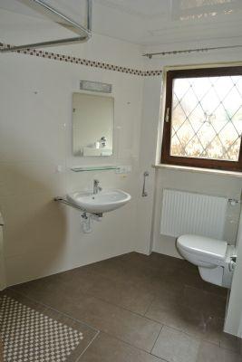 EG: Duschbad mit WC