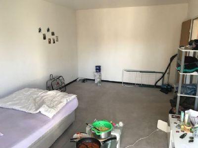 Schön renovierte 1-Zimmer-Wohnung in Frankfurt am Main Fechenheim