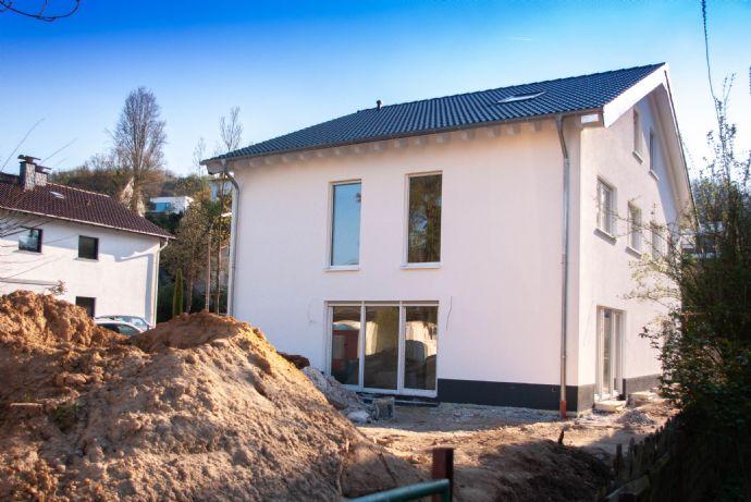 Neue Doppelhaushälfte im schönen Mehlem