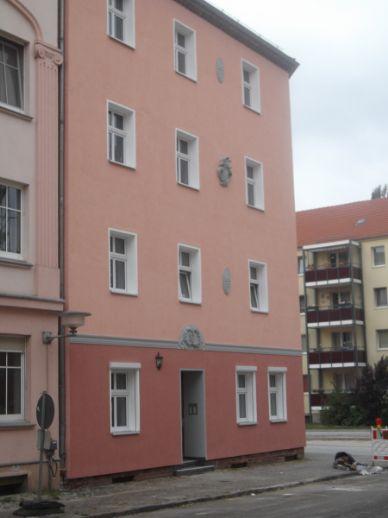 Sanierte 2 Raum Wohnung - FH Nähe !