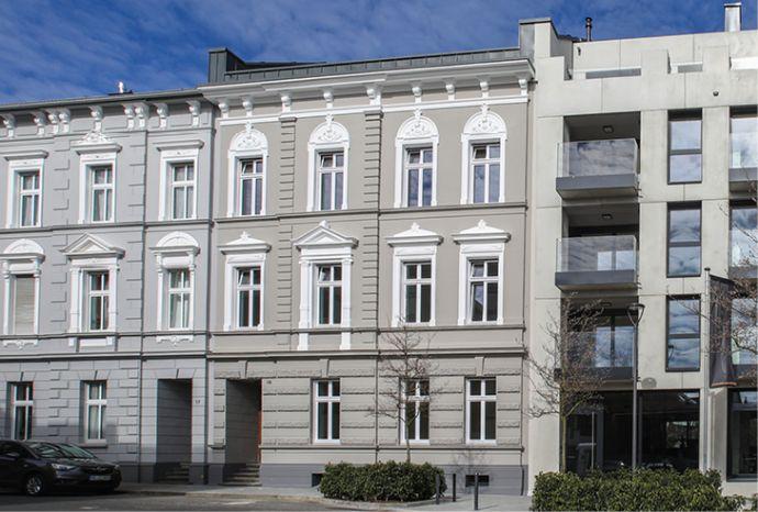 1 Zimmer in Wohngemeinschaft in frisch saniertem Gründerzeithaus - Einbauküche - hochwertige Ausst