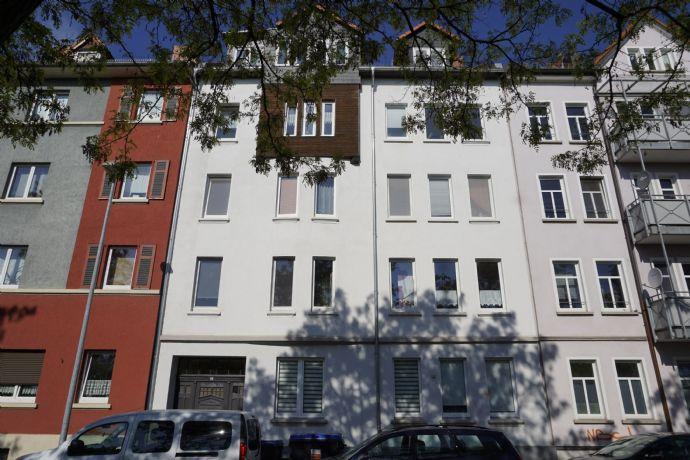 KLEINE 2 Raumwohnung - mit Balkon - in der Feldstraße