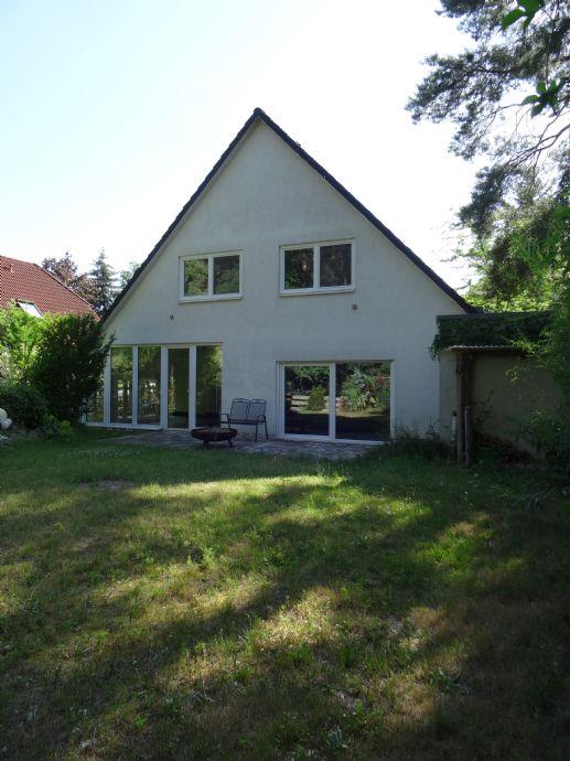 Haus im gepflegten Grünen am Wald in Waltersdorf sucht Käufer
