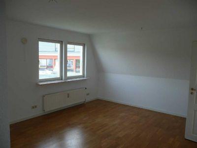 Für Singles: 2- Raum- Dachgeschosswohnung in Weißig