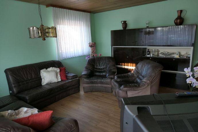 4-ZKB-Wohnung, 1. OG, 105 m² Wfl. mit großem Balkon, Wollmesheimer Höhe/LD-Südwest