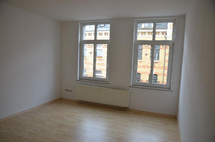 Sehr schöne 2-Raum-Wohnung mit Fahrstuhl direkt im Zentrum von Greiz