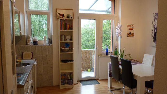 !voll möbliert!schöne, helle, zentrale 2-Zi-Erker-Wohnung in gepflegtem Jugendstilhaus, 50 qm