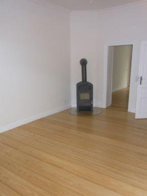 gro z gige 2 zimmer wohnung mit ebk garten und kamin. Black Bedroom Furniture Sets. Home Design Ideas