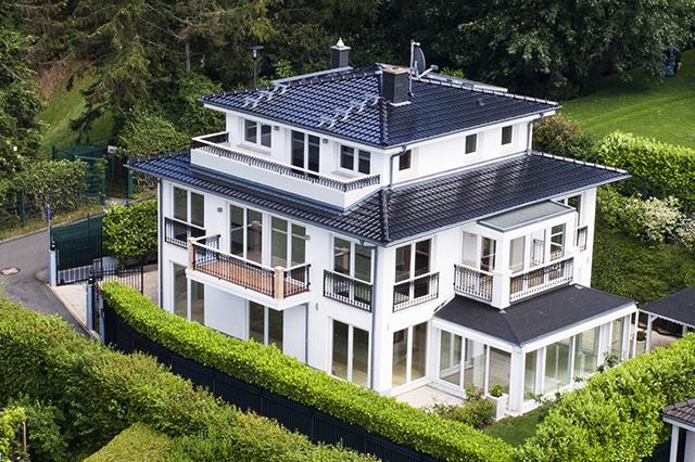 Einzigartige Villa mit grandiosem Weitblick und Technik-Features in Königstein/Taunus