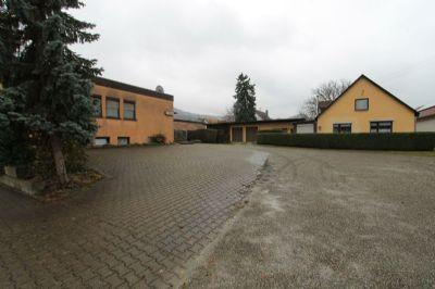 Bauplatz mit bestehenden Gebäude
