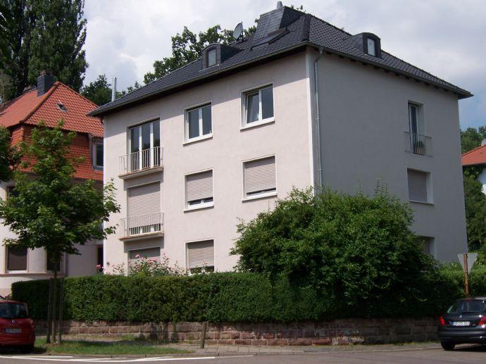 gemütliche DG-Wohnung, stadtnahe Wohnlage