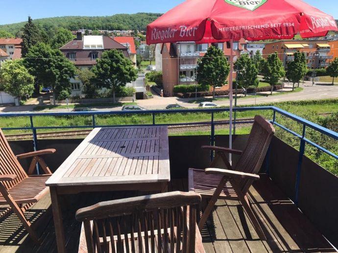 74 m², Möblierte 3-Zimmer-Wohnung in mit Balkon (ideal für eine WG)