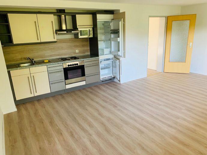 Apartment neu renoviert mit schicker Einbauküche