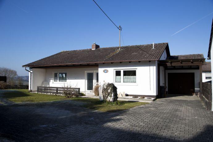 Bungalow mit Einliegerwohnung in Arnstorf