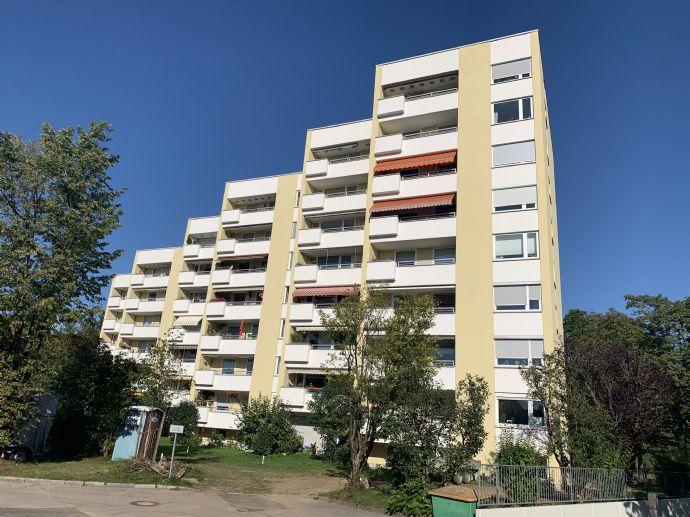 Großzügige 4-Zimmer Familienwohnung mit Panoramablick über Planegg