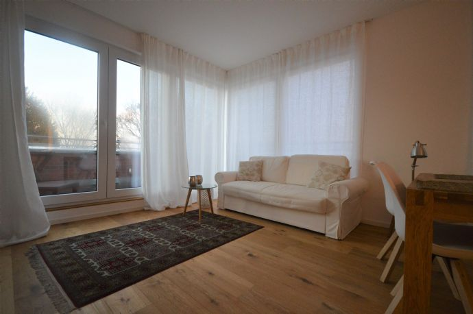 Schöne Zwei-Zimmer-Wohnung mit Balkon und TG-Platz in Poppenbüttel!
