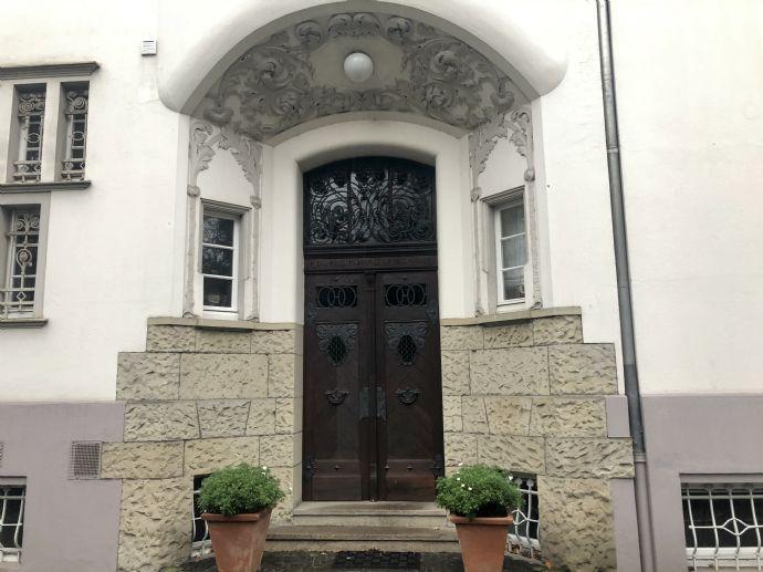 Wunderschöne 3 Zimmerwohnung in einer Jugendstilvilla zu vermieten